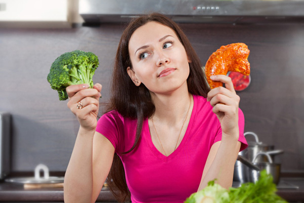 Cung Thiên Bình hễ cứ buồn bực lại ăn lý do cô nàng rất khó giảm cân