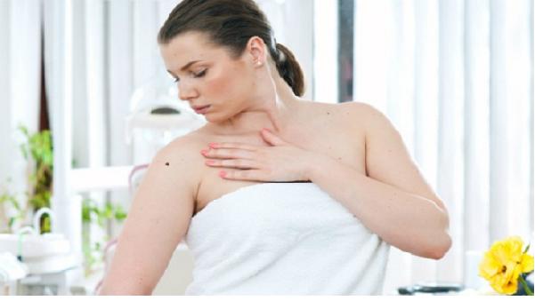 Ý nghĩa của những vị trí nốt ruồi son trên cơ thể phụ nữ